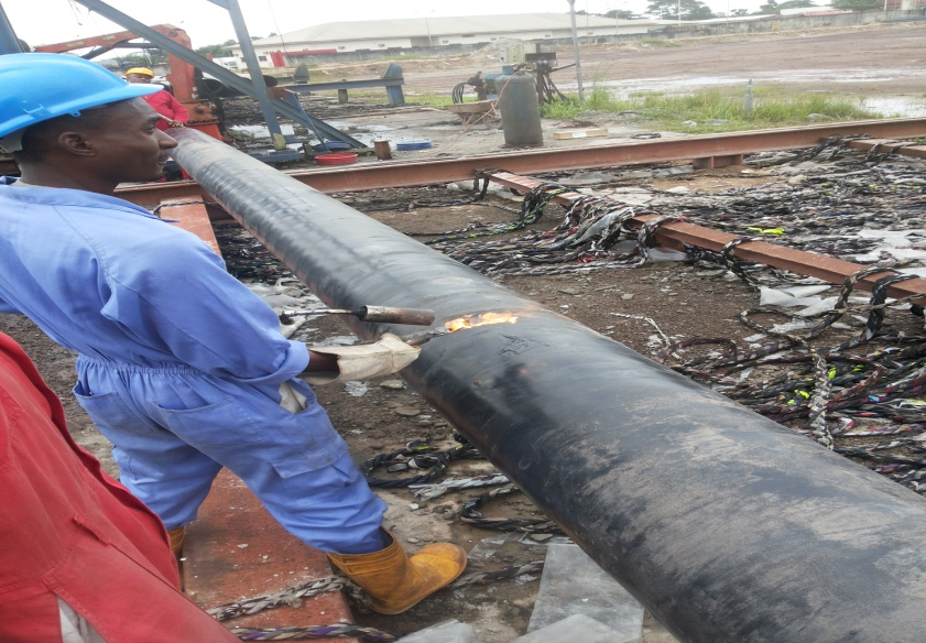 Personnel's on pipe repairs